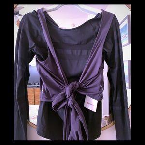 Lululemon Women's  crop ties wrap